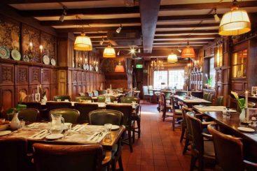 bedrijfsuitje-amsterdam-haesje-claes-restaurant-4